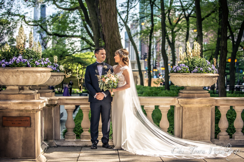 www.Chi-Town-Weddings.com  Bride and Groom Chicago IL